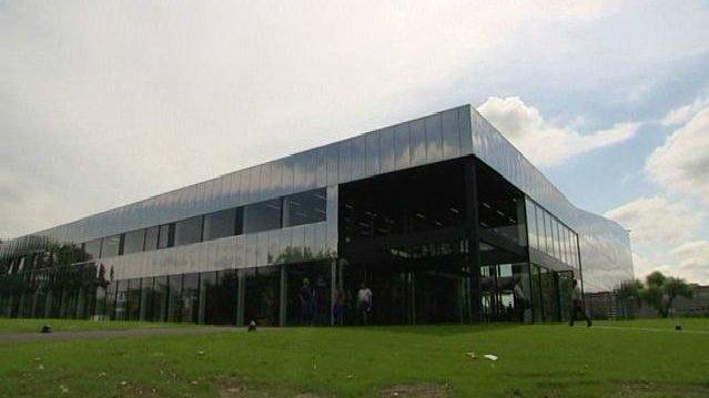 Ouverture de la nouvelle piscine de la kibitzenau for Piscine de strasbourg